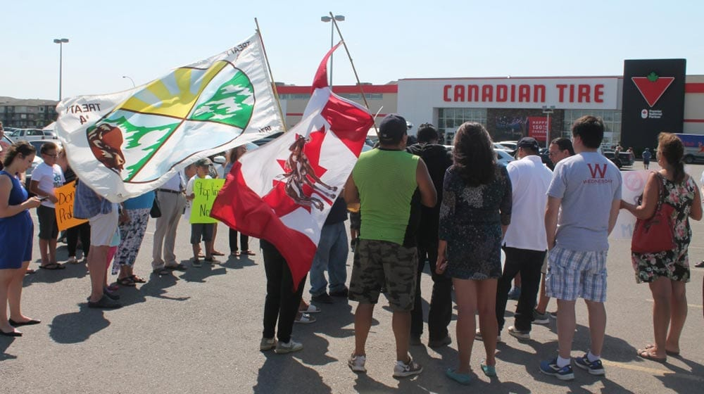 Canadian-Tire-protest-