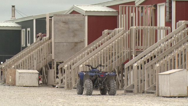 Living in shacks and under boats – Nunavut's billion dollar housing problem - APTN News