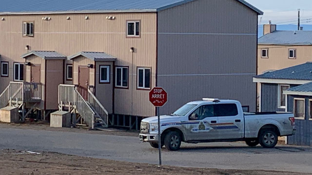 Armed stand off in Iqaluit has RCMP closing streets, students kept home - APTN News