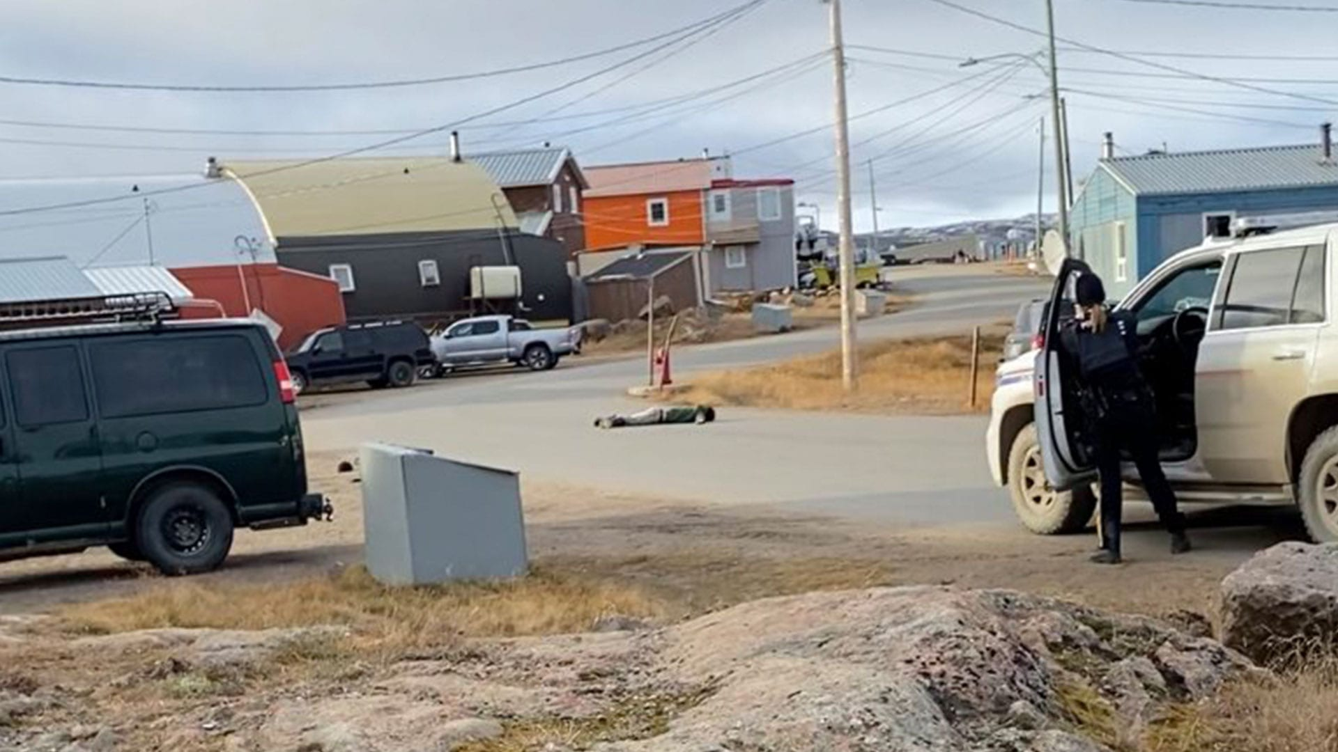 Iqaluit RCMP apprehend wrong suspect at gunpoint