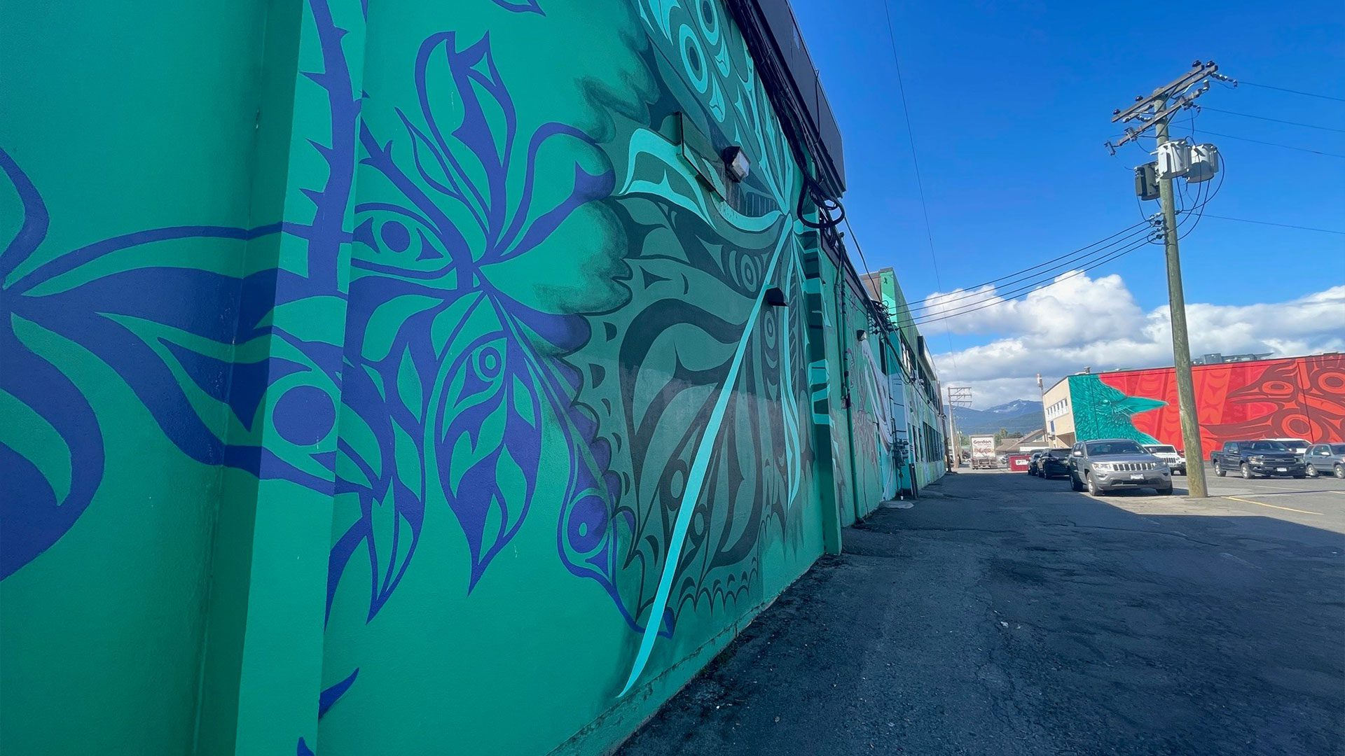 Artists going for 'Wow' factor with MMIWG mural - APTN News